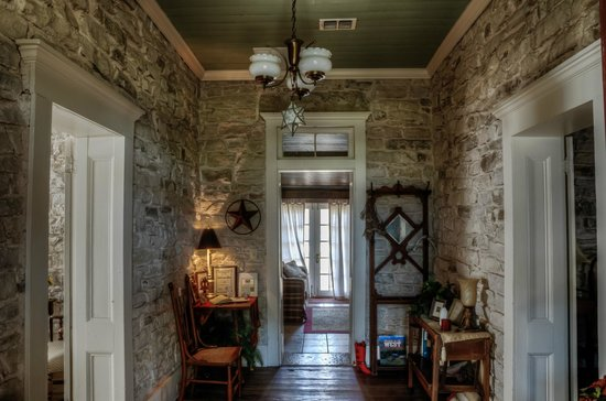 Old Rock House Bed and Breakfast:                   Foyer