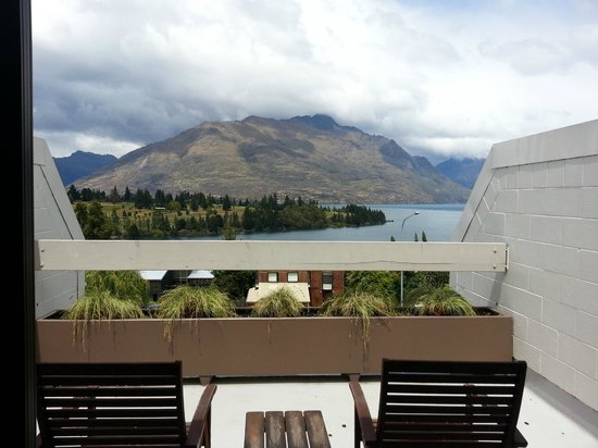 Copthorne Hotel & Apartments Queenstown Lakeview:                   balcony at Level 4
