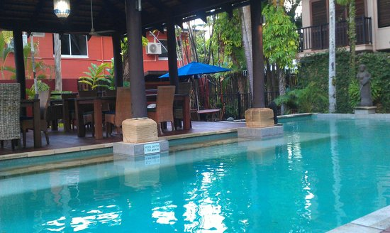 Hibiscus Gardens Spa Resort:                   Pool area
