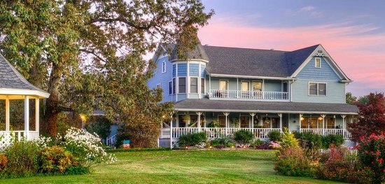 Photo of Blue Mountain Mist Country Inn and Cottages Sevierville