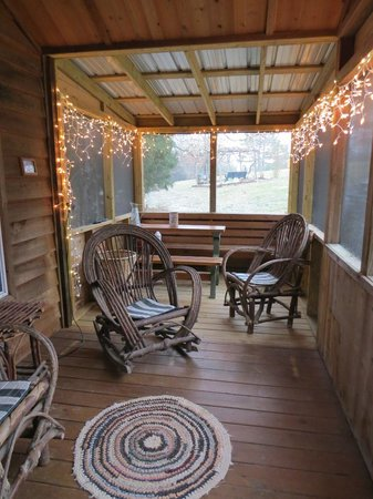 Rim Rock&#39;s Dogwood Cabins:                   Adorable screened porch