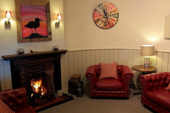 Portesham, UK: Sofa, Fire, Relax - Lovely!