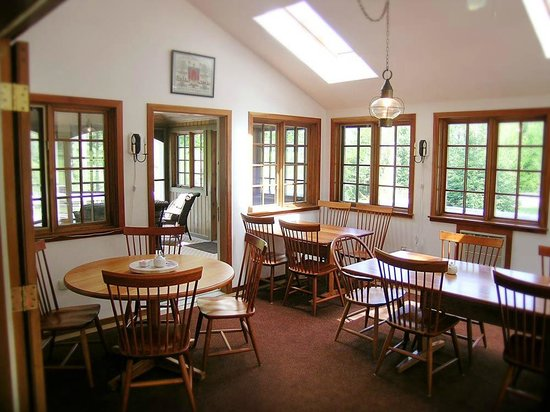 Lyme, NH: Sun room/Breakfast room with attached screen porch