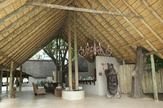 Simbavati River Lodge: Reception area