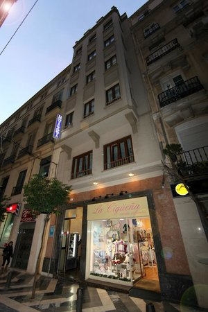 Victoria Hostal Malaga