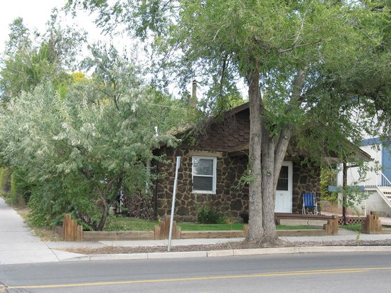 Comfi Cottages of Flagstaff: The Rock House (12 W. Columbus) Front View