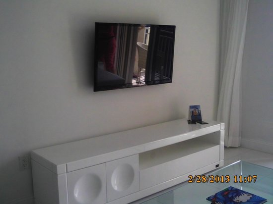 Fortune House Luxury Apartment Suites:                   Flat screen tvs in the bedrooms and living rooms with satellite