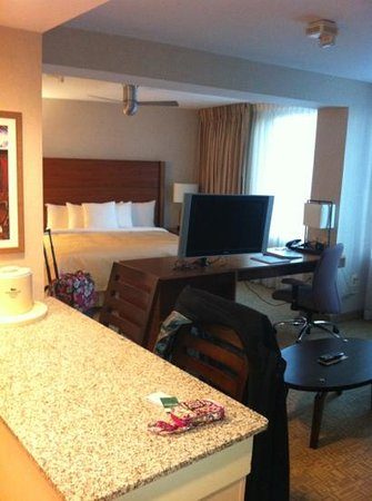 Homewood Suites by Hilton Baltimore:                   King Suite looking into bedroom