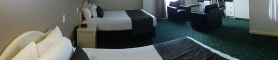 Hotel Northbridge: Double room configuration - very spacious