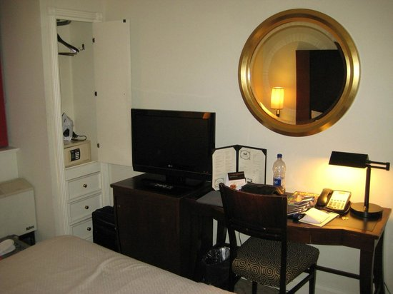 Park South Hotel:                   Small room to the back