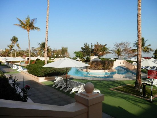 InterContinental Hotel Muscat:                   Leisure pool area