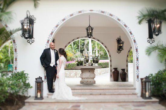 One &amp; Only Palmilla Resort:                   Wedding Day - Photo by Ana &amp; Jerome Photography - love them!!