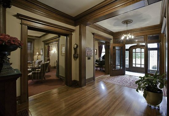 Fleur-De-Lys Mansion: View looking out - part of the Library