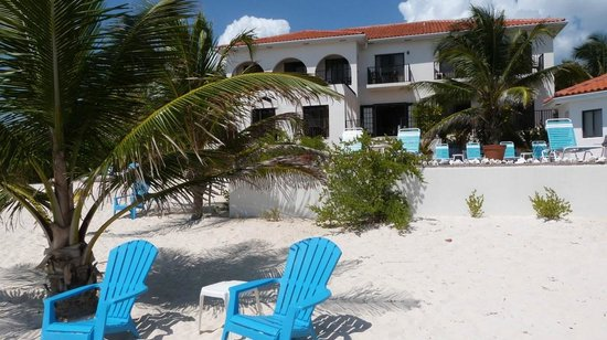 Turtle Nest Inn:                   Ocean View Rooms Apartments, Pool & Sandy Beach