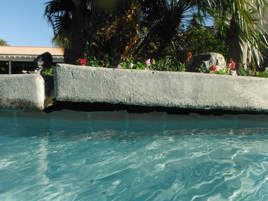 Miracle Springs Hotel and Spa:                   even the pool is broken..
