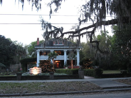 Herlong Mansion Bed and Breakfast Inn:                   Dusk at the Herlong Mansion
