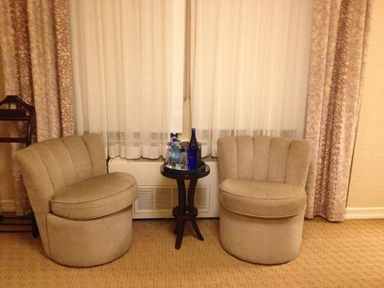 Excelsior Hotel:                   small sitting area by beds