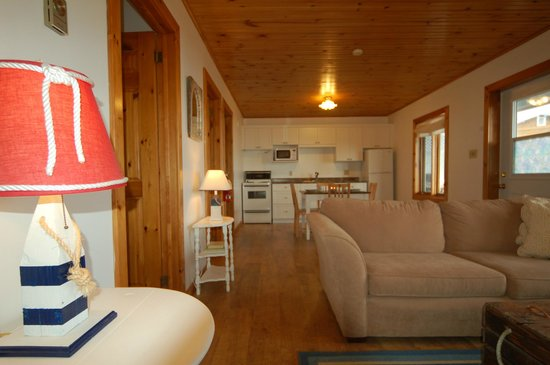Lockeport, Canad: Open living room