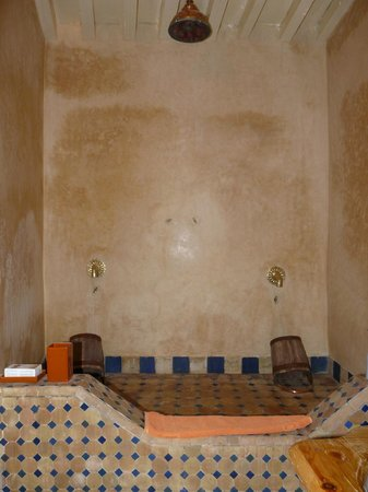 Riad Numero 9:                                     Shower