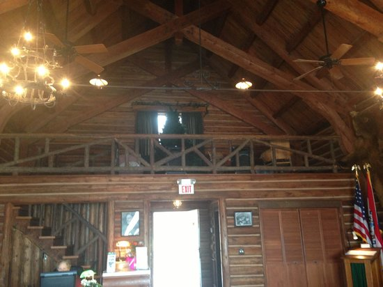 Lake Ozark, MO:                   Willmore Lodge balcony