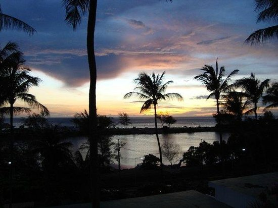 BEST WESTERN Phuket Ocean Resort:                   Sunset from our balcony