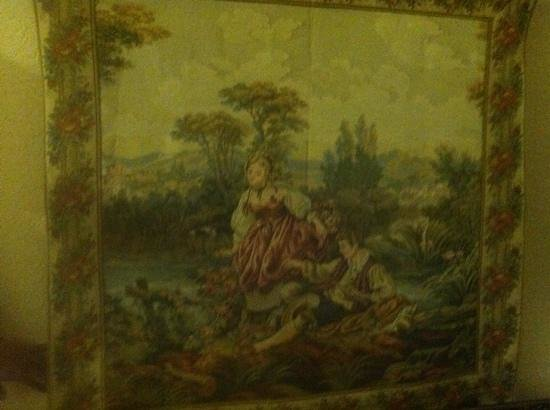 Robinwood Bed and Breakfast: tapestry in hall of upper floor