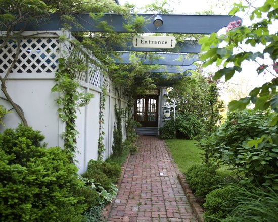 Solomons Victorian Inn: Entrance