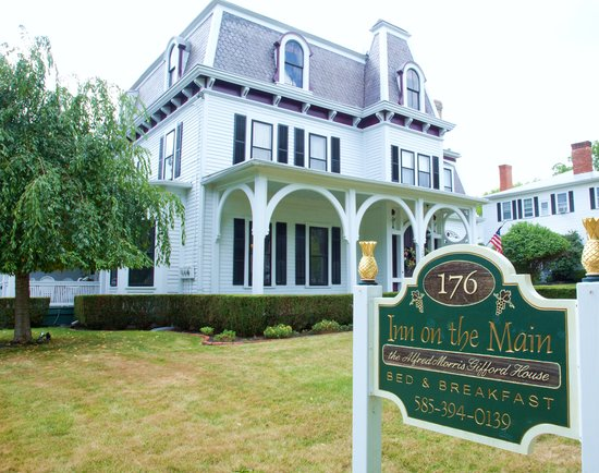 1840 Inn on the Main Bed and Breakfast: Welcome to Inn on the Main