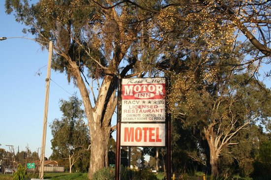 Rose City Motor Inn