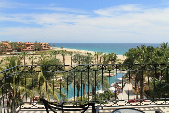 Dreams Los Cabos Suites Golf Resort & Spa:                   View from our room.
