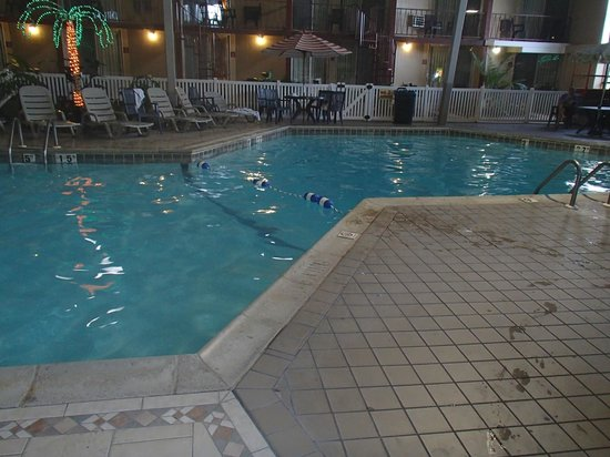 Quality Inn Omaha:                   Here&#39;s the deep end of the pool. (9ft)