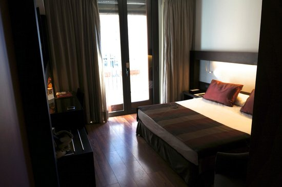 Catalonia Port :                                     Our room