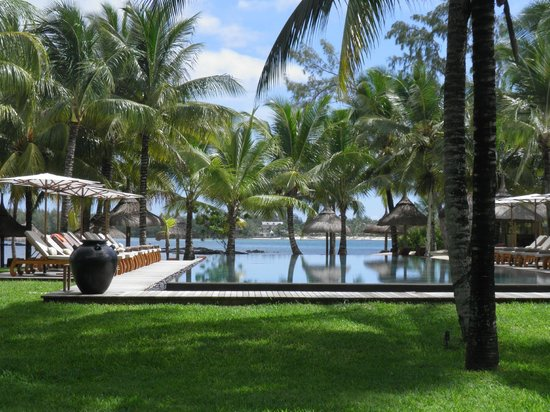 Constance Le Prince Maurice:                   Infinity lap pool