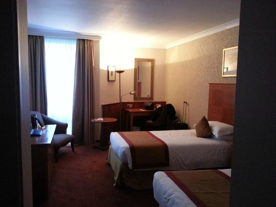 Millennium Gloucester Hotel London Kensington: Twin room