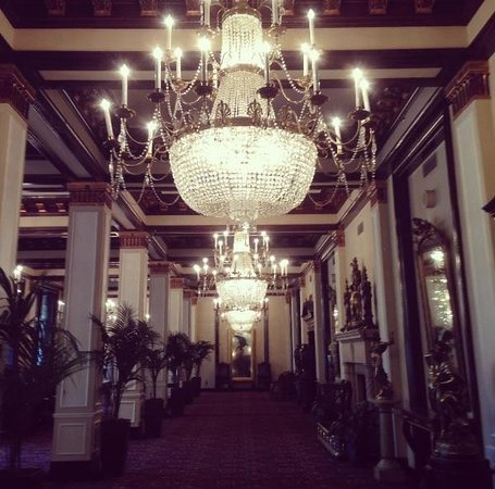 The St. Anthony, a Luxury Collection Hotel, San Antonio:                   Chandeliers