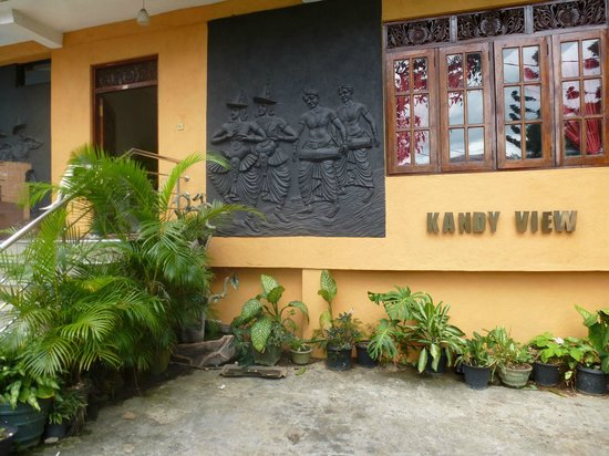 Kandy View Hotel:                   Front entrance