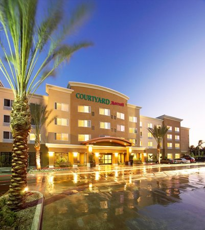 Courtyard by Marriott Anaheim at Disneyland Resort