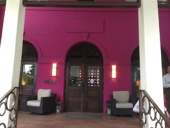 Bay Harbor Islands, FL: hotel entrance