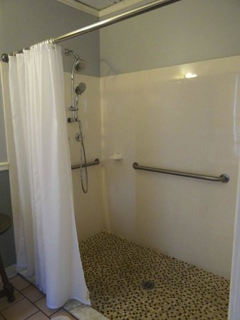 Agustin Inn:                   Large Shower Stall - Greensboro
