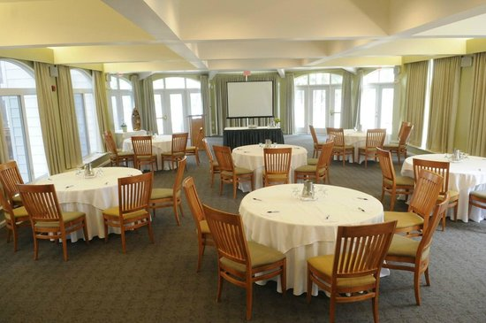 Port Carling, Καναδάς: Veranda Meeting Room - Max 120 people