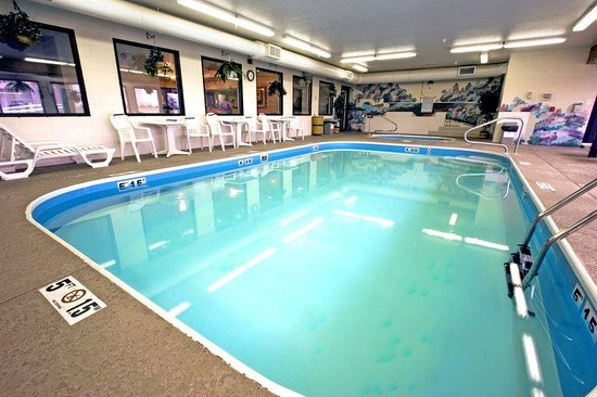 BEST WESTERN B. R. Guest: Indoor Pool