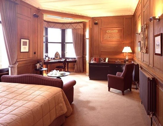 The Scotsman Hotel: Editor Bedroom