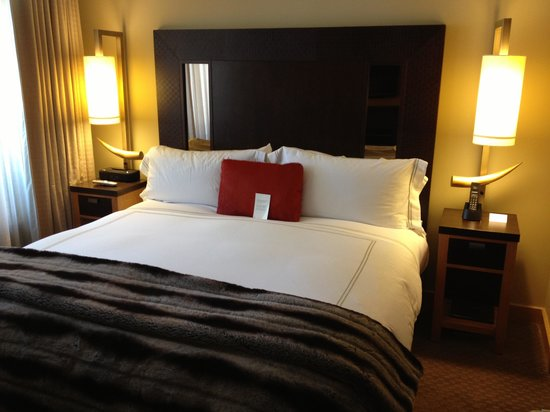 Viceroy Snowmass:                                                       Bedroom