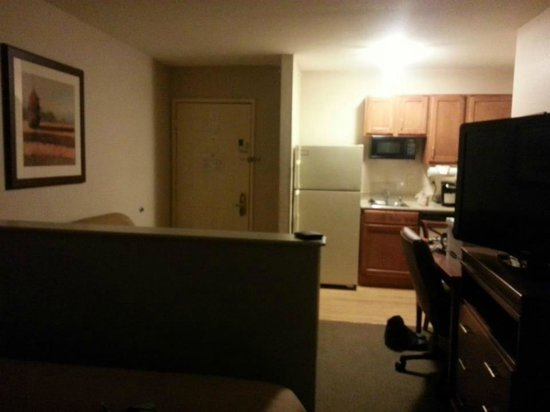 Candlewood Suites - Dallas Market Center:                   Our room