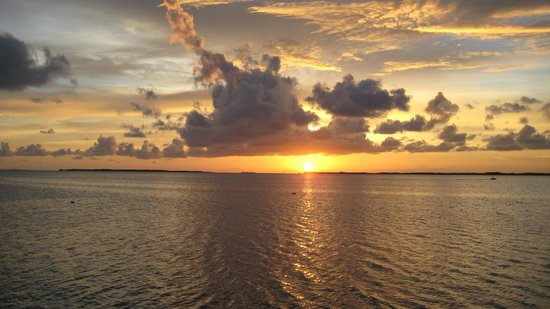 Coconut Bay Resort: One of many beautiful sunsets