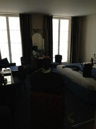 BEST WESTERN Premier Opera Richepanse:                   my room at opera richepanse just loved it!!!!