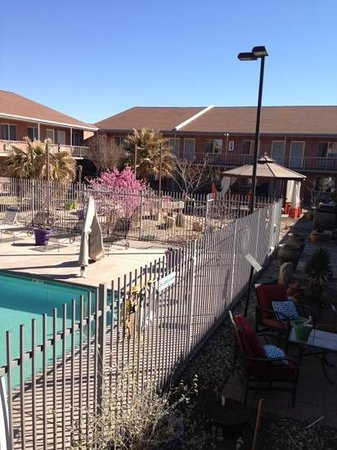 Americas Best Value Inn:                   beautiful courtyard with koi pond