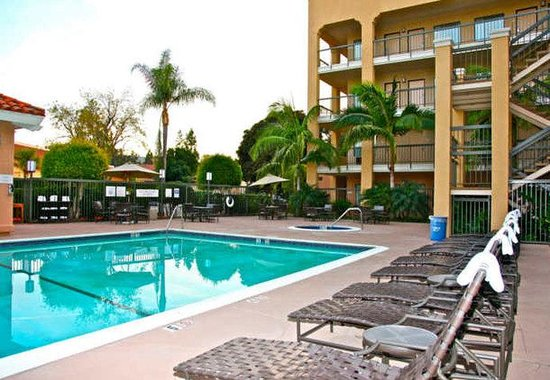 Fairfield Inn Anaheim Hills: Outdoor Pool