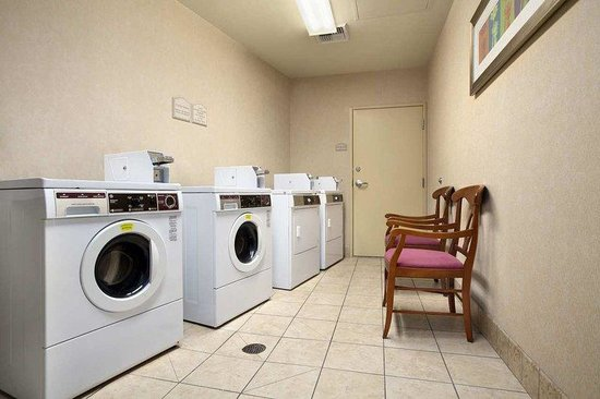 Hilton Garden Inn San Diego/Rancho Bernardo: Guest Laundry