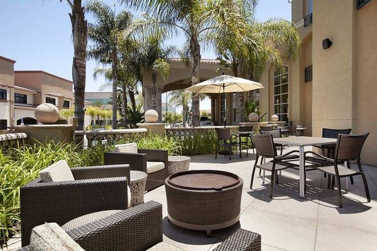 Hilton Garden Inn San Diego/Rancho Bernardo: Patio